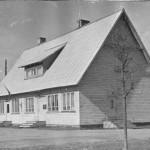 Maja, mis valmis 1938.a. sügiseks. On täitnud erinevaid funktsioone.